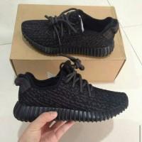 Adidas Yeezy Hitam