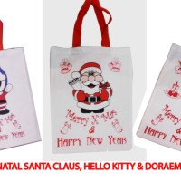 Tas Souvenir Natal / Christmas Motif Santa Claus Hello Kitty Doraemon
