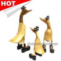 harga Paket Patung Kerajinan Bebek Akar Bambu Finishing Topi Sepatu - 3 Pcs Tokopedia.com