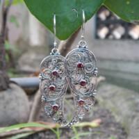 Anting Perak Ukiran Bali Batu Garnet