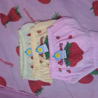 Obral celana dalam anak baby strawberry