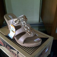Sandal Wedges, LIBERTY Hermes, Cream