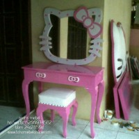 Meja Rias Hello Kitty Lucu