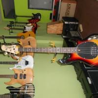 Bass music man sting ray COD TOKO GILS MUSIC STUDIO galery