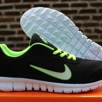 10cf28be8d5f Jual Sepatu Running Nike Free Hijau Harga Promo Bulan April 2019 ...