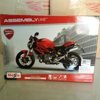Ducati Monster 696 2011 Red Assembly model kit Motor 1/12 Maisto SHF