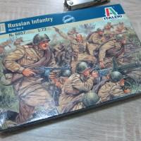 Pasukan Rusia WWII 1:72 by Italeri non tank figure diecast militer