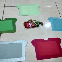 harga frame foto gantung kertas glossy motif baju lebar Tokopedia.com