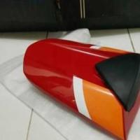 harga Single Seat Cowl / Cover Jok Belakang New Honda CBR150R Repsol Lokal Tokopedia.com