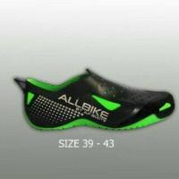 sepatu all bike hijau (green) tahan air design terbaru dari Ap boot