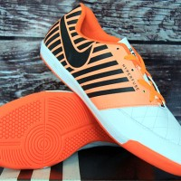 Sepatu Futsal (Nike Lunar Gato II Putih Orange)