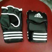 Sarung Tangan MMA Adidas adiCSG07 Black /White size M