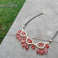 Kalung Choker Diamond Brown