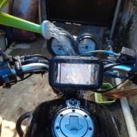 BIKE MOUNT GPS / hp holder case waterproof di sepeda dan motor