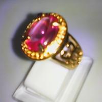 cincin batu kecubung mirah