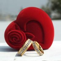 CINCIN COUPLE - Rubic Zirconia Gold Ring