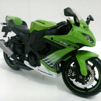 Miniatur Motor Kawasaki ZX10R Hijau - Maisto 1:12