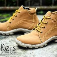 Sepatu Kickers Tracking FDAS