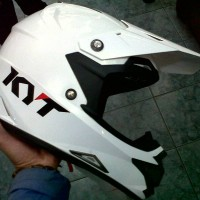 helm kyt trail cros putih
