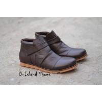 Sepatu Boots Pria D-Island Coklat Tua