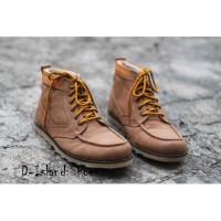 Sepatu Boots Pria D-Island Warna Coklat Muda High