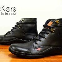 sepatu kickers boots