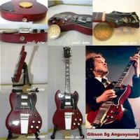 Miniatur Gitar Gibson SG Angusyoung