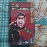 novel Cinta Brontosaurus oleh Raditya Dika