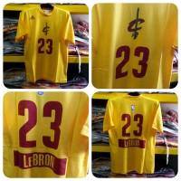 T-Shirt NBA Cleveland Cavaliers Lebron James Christmas