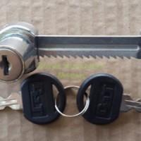 Kunci Etalase Kaca / Lemari Kaca