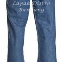 Celana Jeans Wrangler Basic