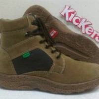 Sepatu Kickers Tracking Suide