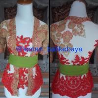 Kebaya modifikasi wisudha Bali