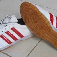 Sepatu Futsal Adidas Adinova
