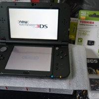 Handheld Nintendo - New 3DS XL - Hitam + SKY3DS + Memory 32Gb
