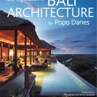 New Regionalism in BALI ARCHITECTURE by Popo Danes (Soft Cover) - W193