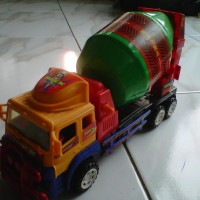 Mainan Mobil Kontruksi Truk Molen Size Medium