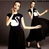 Maxi Swan