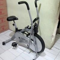harga Alat Fitness Sepeda Statis Platinum Bike | Layar Lcd Besar Tokopedia.com