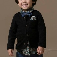 B2W2 Boyset black 4 in 1 ( top,pant, sweater,tie)