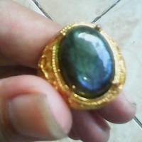 cincin batu labrador pelangi biru tembus antik motif berkilau