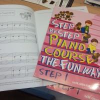 Step by Step Piano Course, buku piano seri 1