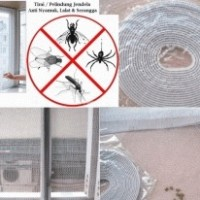 Tirai Pelindung Anti Nyamuk