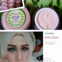 Cream Rose Diamond Herbal Beauty