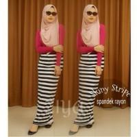 harga Stripe Skiny Skirt / Rok Span Garis Hitam Putih Tokopedia.com