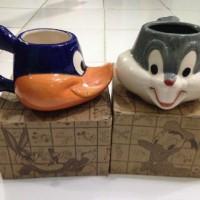 Cangkir Mug Bugs Bunny / Daffy Duck