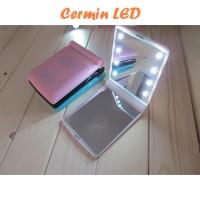 Cermin LED (Terdapat 8 butir lampu LED, rias wajah jadi mudah)