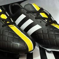 Sepatu Bola Adidas,Adidas 11Pro SL Hitam Strip Kuning