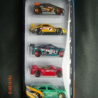 HOT WHEELS HOTWHEELS HW TUNERZ