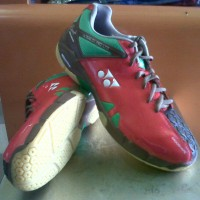 Sepatu Badminton YONEX ULTIMA 01 PRO LTD